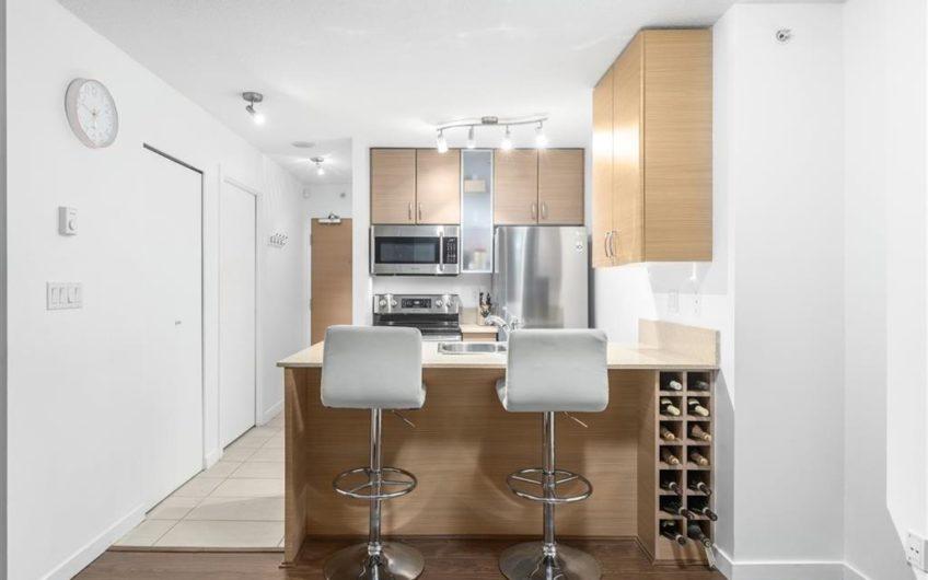 Rare efficient floor studio